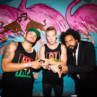 Major Lazer Featuring Justin Bieber & MO